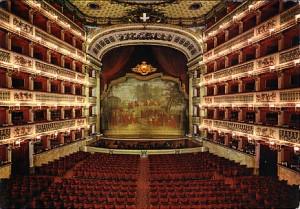 teatro-san-carlo-interno