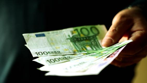 Anomalie in prelievi e versamenti: la discolpa è a carico del contribuente