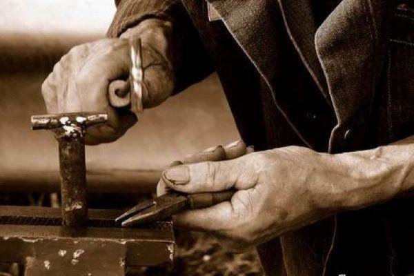 Pensioni: salasso sui contributi per Commercianti e Artigiani?