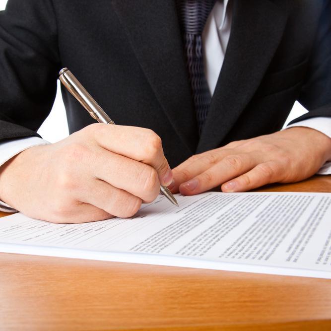 Flessione per le partite IVA, aumentano contratti a tempo indeterminato