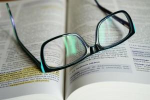 cultura_lettura_occhiali_libro_libri