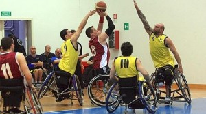 sport, finale della coppia dei campioni Basket in carrozzina all'istituto santa Lucia