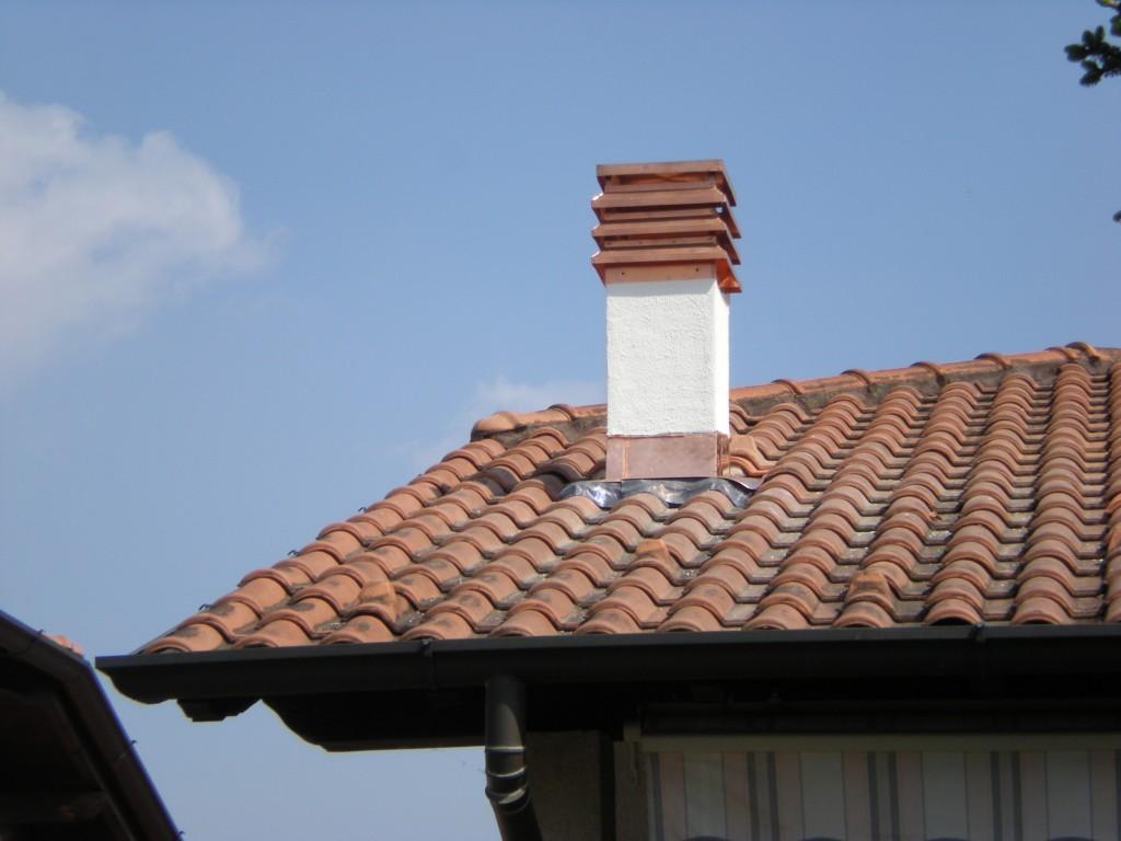 Occorre il permesso di costruzione per una canna fumaria for Dimensioni finestre velux nuova costruzione