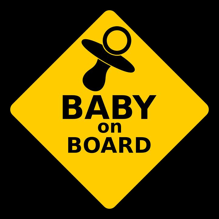 Sicurezza Bimbi in auto: arrivano le nuove norme
