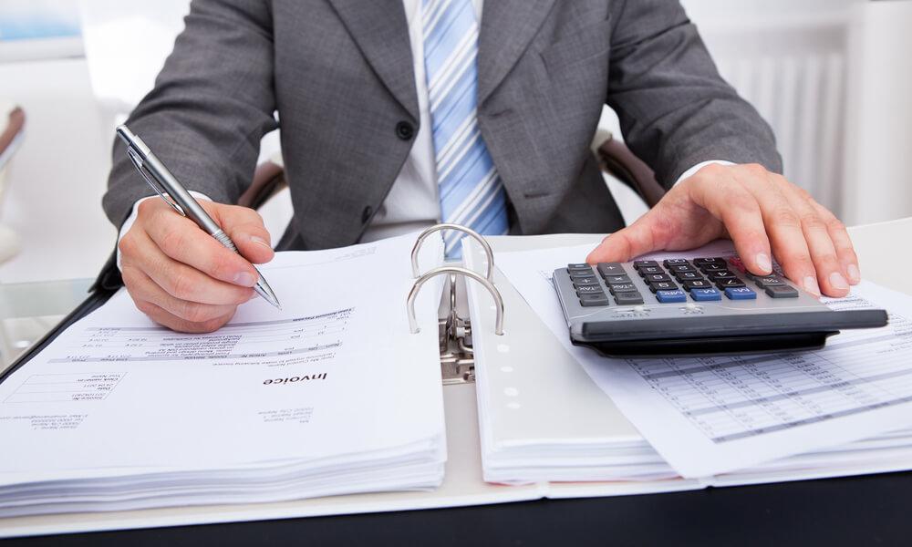 Commercialista che raggira il cliente: cosa rischia penalmente?
