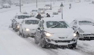 slittamento auto neve