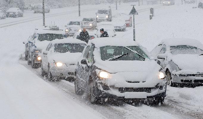Incidente per slittamento auto su neve: Comune è responsabile?