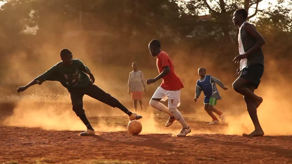 Tratta di baby calciatori dall'Africa: arrestati due presidenti