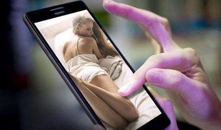 Gli Italiani scroccano il wifi libero per i siti porno