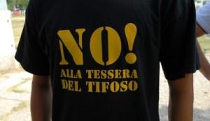 t-shirt-no-alla-tessera-del-tifoso-400x230