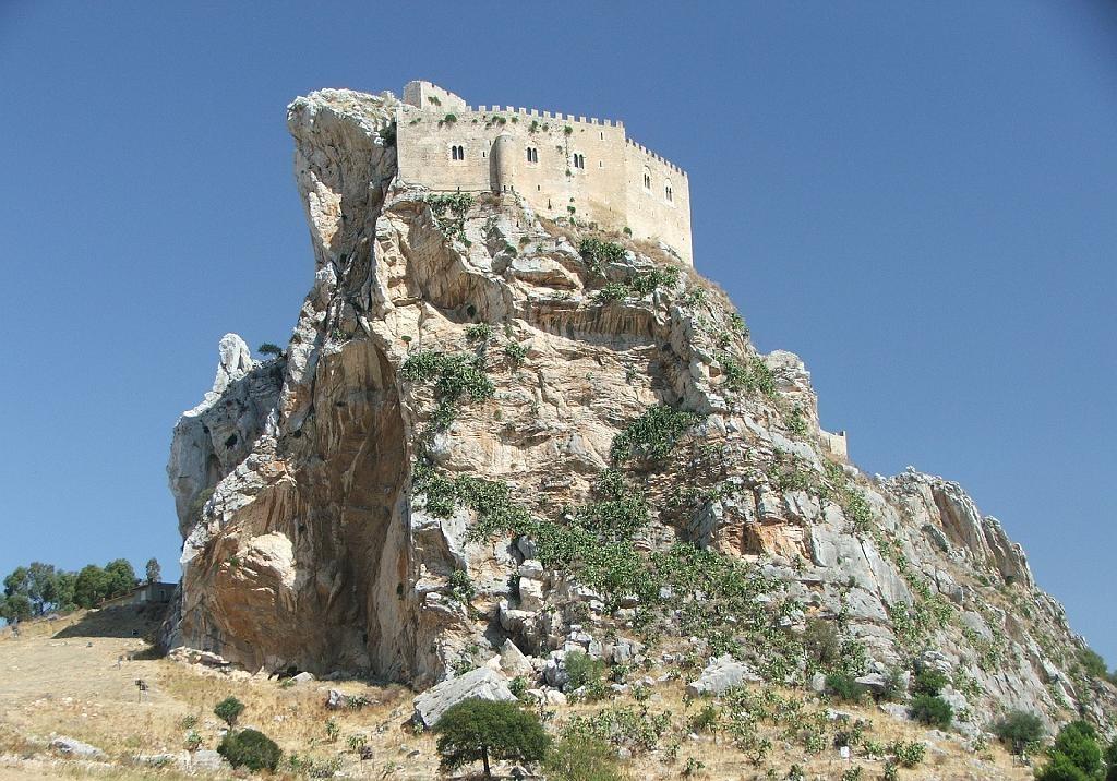 Castelli e ville lungo i cammini, il bando per riqualificarli