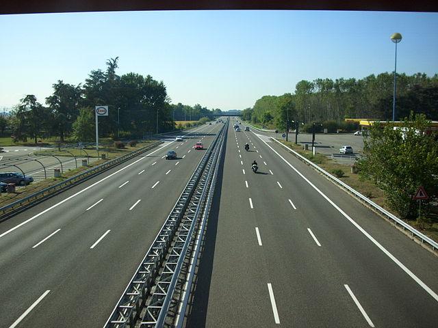 Autostrade: pochi investimenti e prezzi in aumento