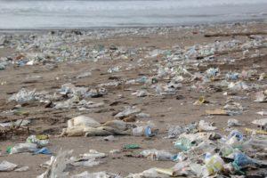 beach-litter-2018-indagine-legambiente-plastica-nelle-spiagge