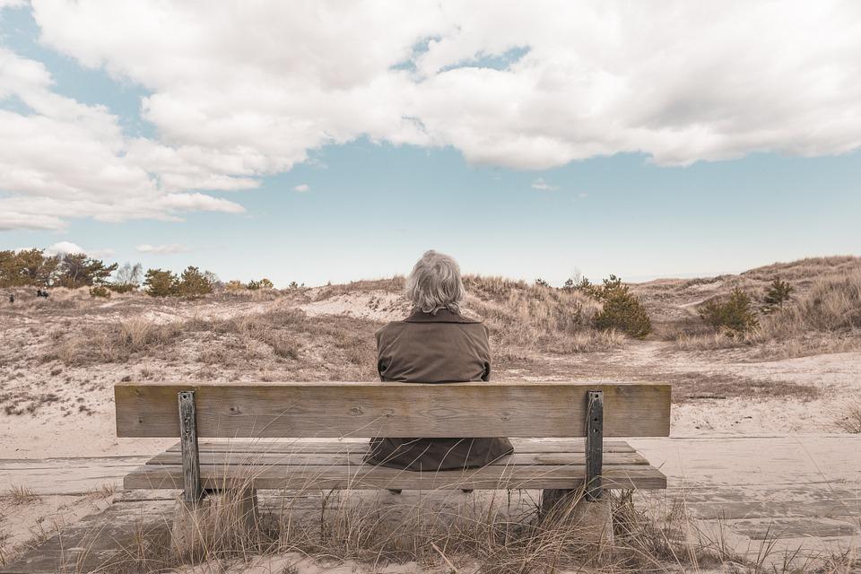 Pensioni: abolizione trattenimento in servizio per dipendenti pubblici