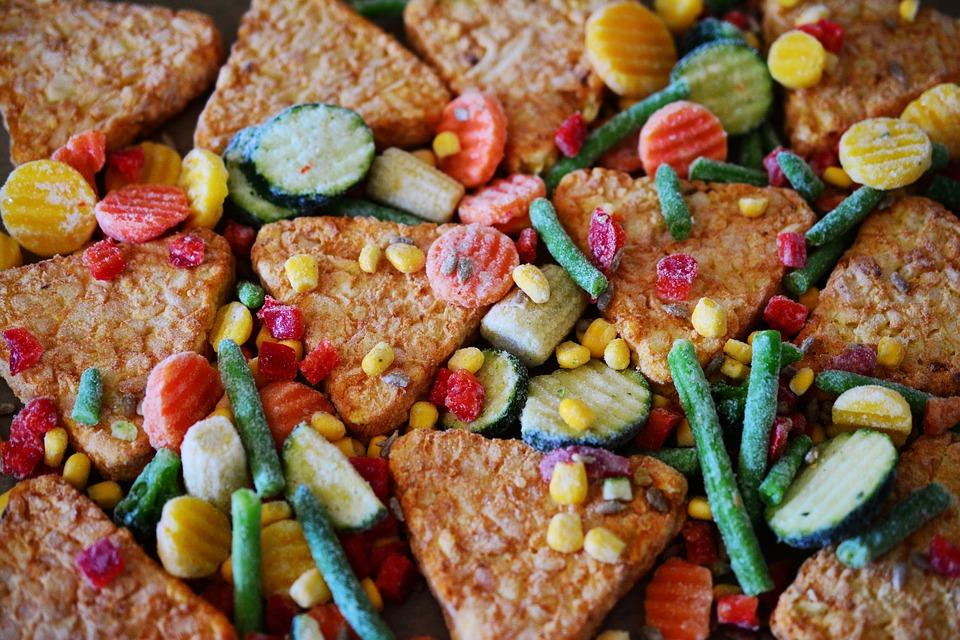 Alimenti surgelati: NAS effettuano sequestri, cibo avariato e etichette falsificate