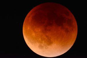 luna-rossa-27-luglio-eclissi