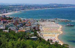gabicce-mare-primo-municipio-italiano-in-legno