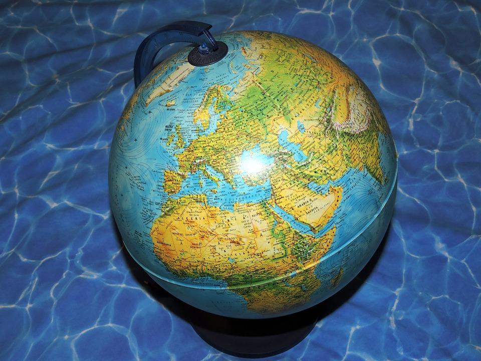 Personale scolastico all'estero: il Decreto sui requisiti culturali e professionali