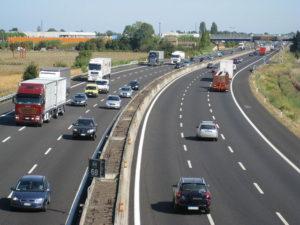 autostrade-calcestruzzo-si-stacca-cavalcavia-a14