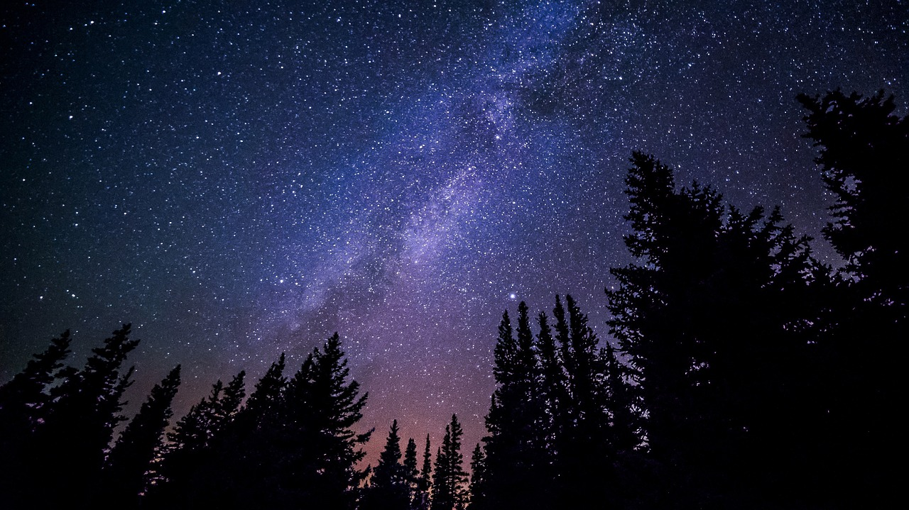 Arriva la Cometa di Natale 2018: ha una coda due volte più grande della luna
