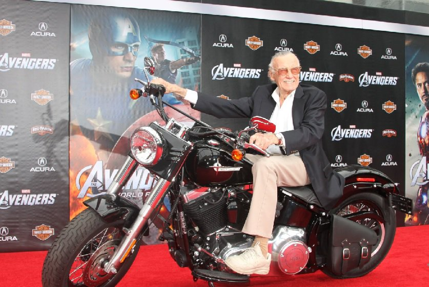 È morto Stan Lee: addio al padre dei supereroi della Marvel
