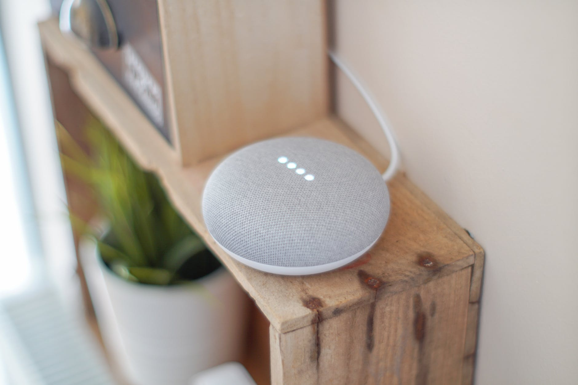 Il mercato degli smart speaker: come funziona Google Home mini