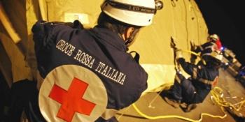 croce-rossa-italiana-bandiera