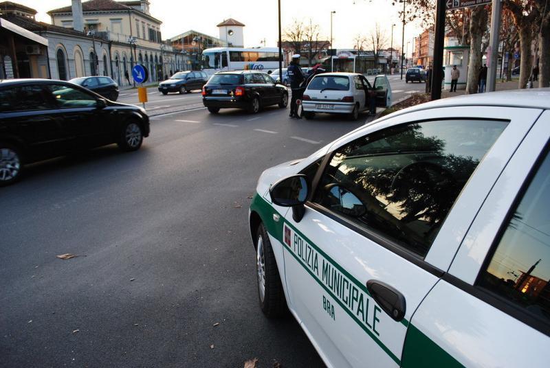 concorsi-polizia-municipale-solo-cittadini-italiani