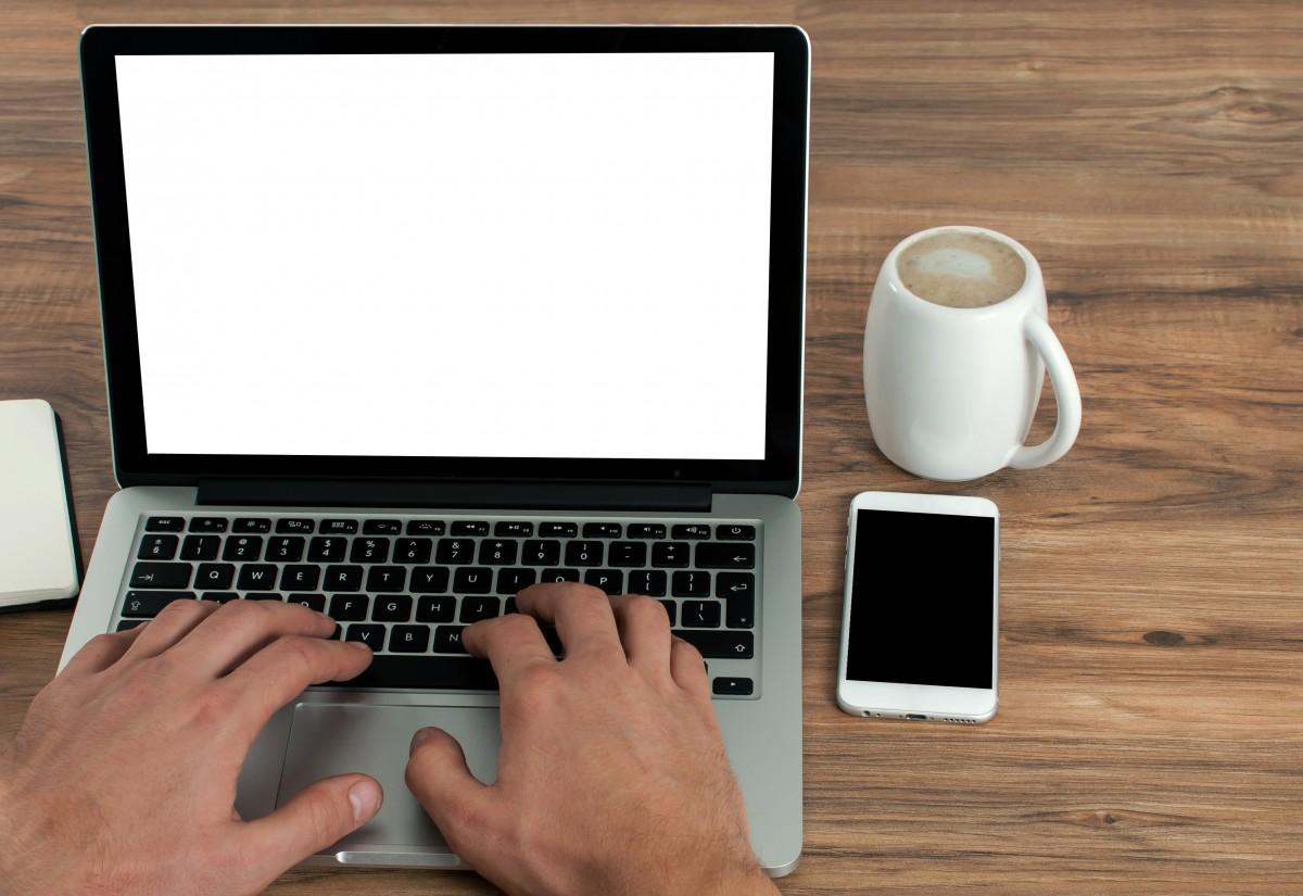 Secondo uno studio, lo smart working potrebbe ridurci così