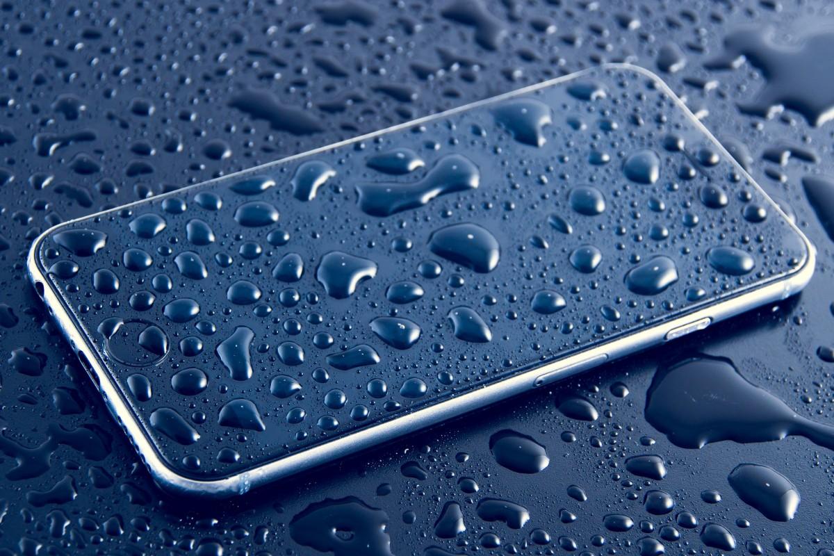 iphone-acqua-class-action