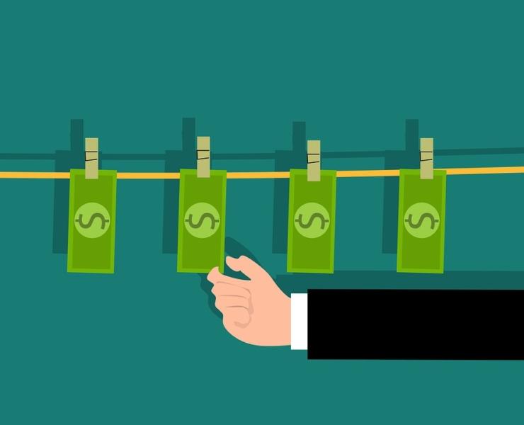 Operazione di riciclaggio e c.d. minimo etico
