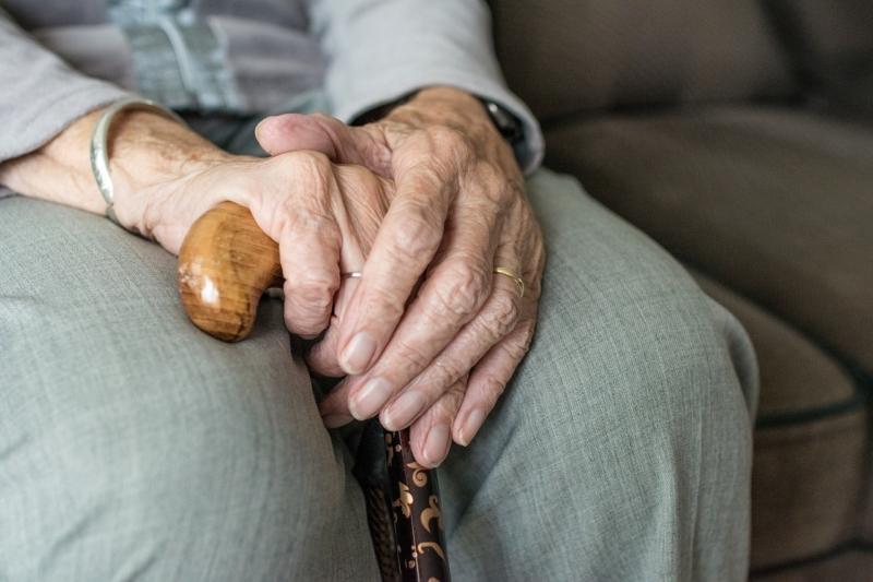 Carta per i diritti degli anziani